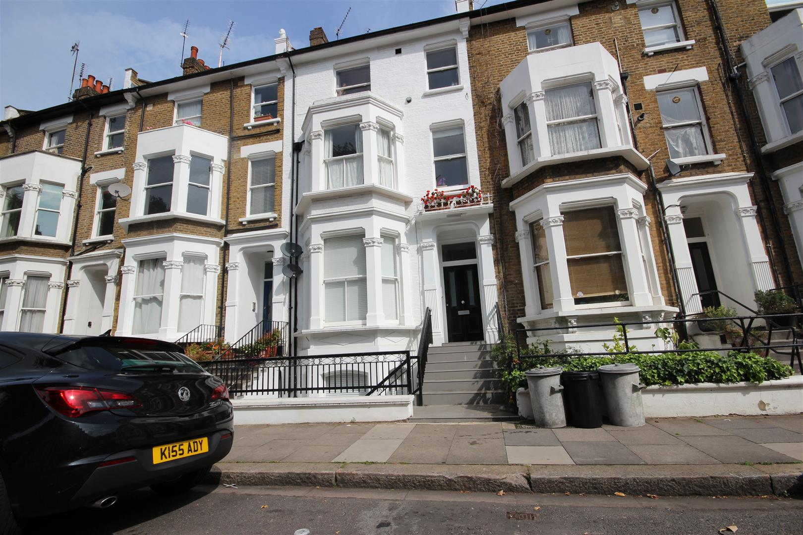 Flat for sale in Batoum Gardens, London